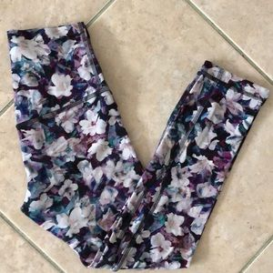 Flawless Lululemon Align crop leggings size 2